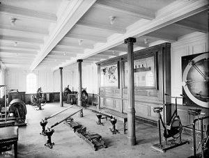 De fitnessruimte in de eerste klas